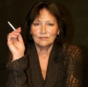 Ministerstvo zdravotnictví varuje: kouření způsobuje pravdolásku.